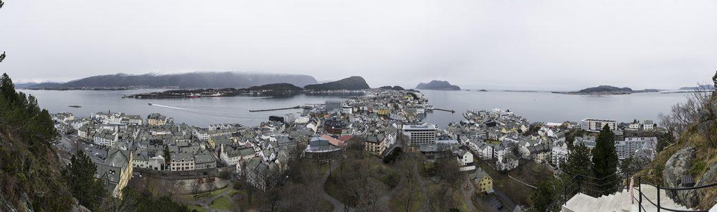 Mit dem Postschiff zum Polarkreis – Ålesund